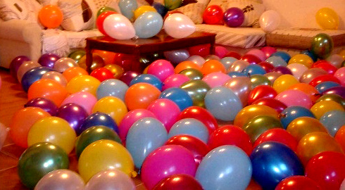 Узнать Как украсить комнату шариками - фото 2